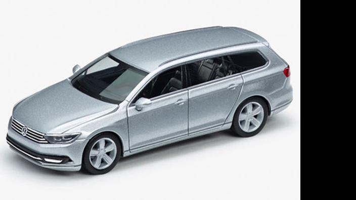 Volkswagen Passat Variant, Reflexsilber Metallic, 1:87, Modellauto